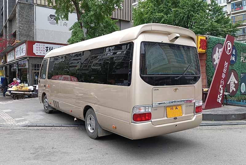 成都租车 ;成都丰田考斯特.jpg