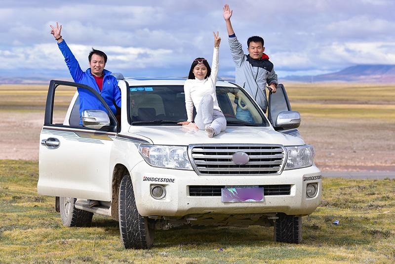 5成都包车去西藏大概多少钱..jpg